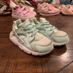 Mint Nike Huaraches